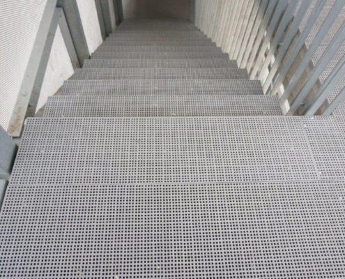 GFK Gitterrost Treppe